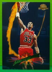Scottie Pippen regular card 1995-96 Skybox #18