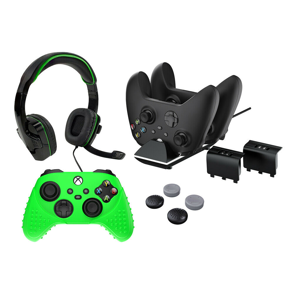 Accessory Pack Xbox Series X with Chat Headset, Charge Dock Batteries Skin Grips