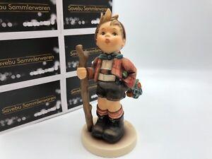 Hummel-Figurine-760-IN-Die-Wide-World-5-1-2in-1-Choice-Top-Condition