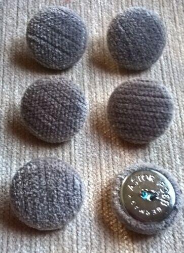 Chenille Velours 36L/23mm gris recouvert de tissu boutons recouverts Craft