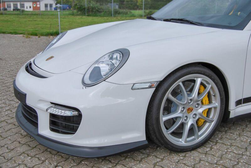 Porsche 911 GT2 Coupé - 5
