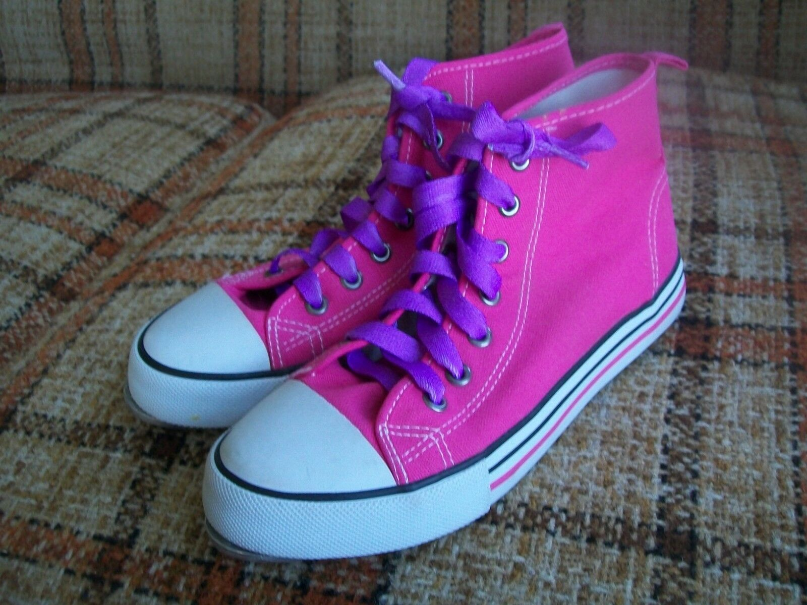 H&M Womens 4.5 (37) Pink Canvas Hightop Tap Sneakers