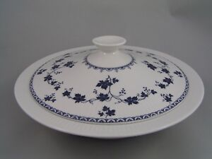 ROYAL-DOULTON-YORKTOWN-RIBBED-LIDDED-VEGETABLE-TUREEN
