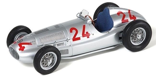 1 18 CMC Mercedes Benz W165  24 1939 Tripoli Grand Prix Rudolf Caracciola M-074