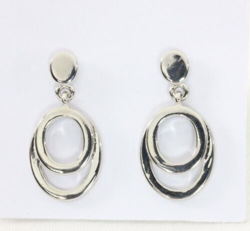 Post Earrings Classic Tailored Silver Tone Oval Smooth Drop Business Casual Chic