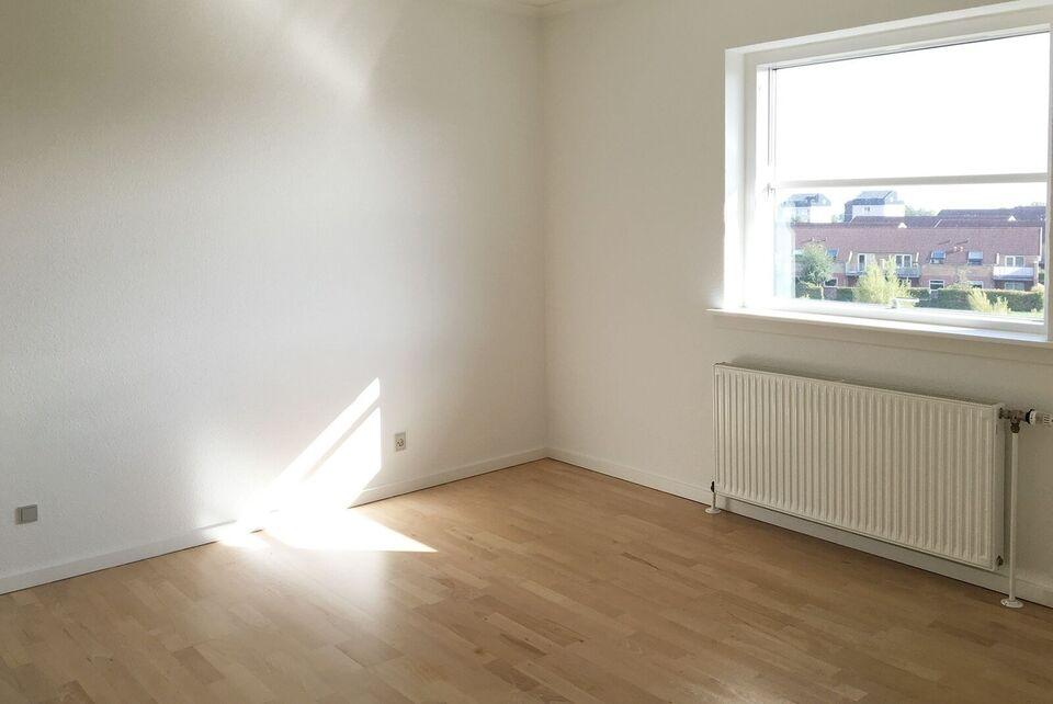 8200 vær. 2 lejlighed, m2 72, Skejbyparken