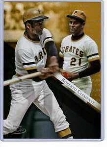 Roberto-Clemente-2019-Topps-Gold-Label-Class-One-5x7-Gold-91-10-Pirates