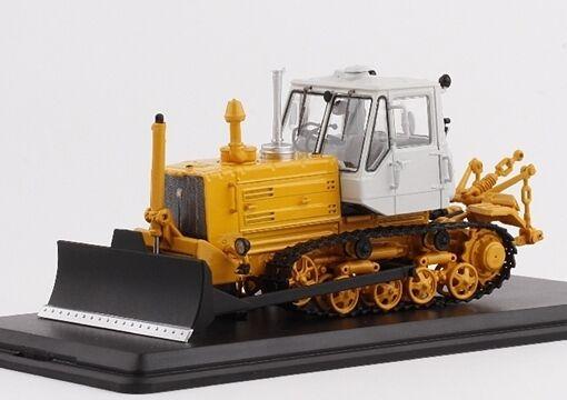 Start  Scale Models (SSM) 1 43. t-150 Russian Caterpillar Tractor with-Neige.  sortie de marque
