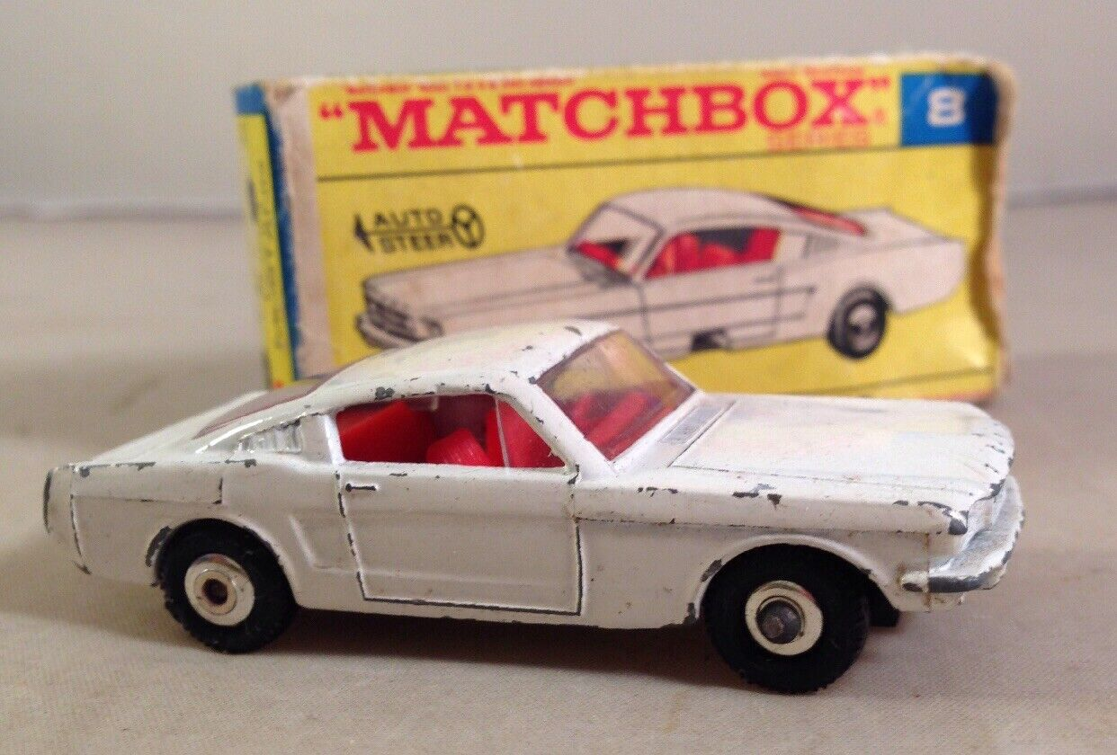 MATCHBOX  LESNEY  FORD  MUSTANG  No 8  BOXED - MATCHBOX 8 FORD MUSTANG