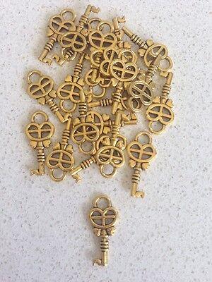 Antique Gold Key charms / pendants x 20