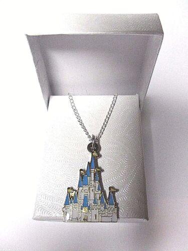 Walt Disney World Castillo De Cenicienta Colgante Collar Chapado En Plata Fina en un