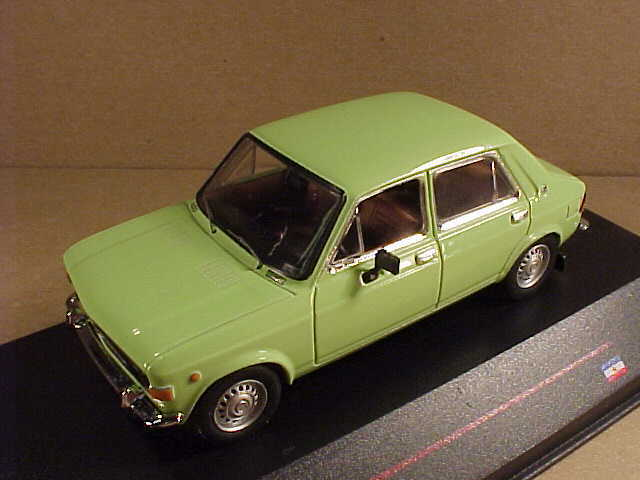 IST Models  iST 095 1 43 Diecast 1977 Zastava 1100 4-Door Sedan, Mint Green