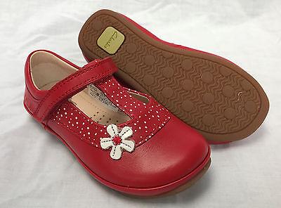 F /& G Fitting BNIB Clarks Girls Elza Delia White Leather T Bar First Shoes E