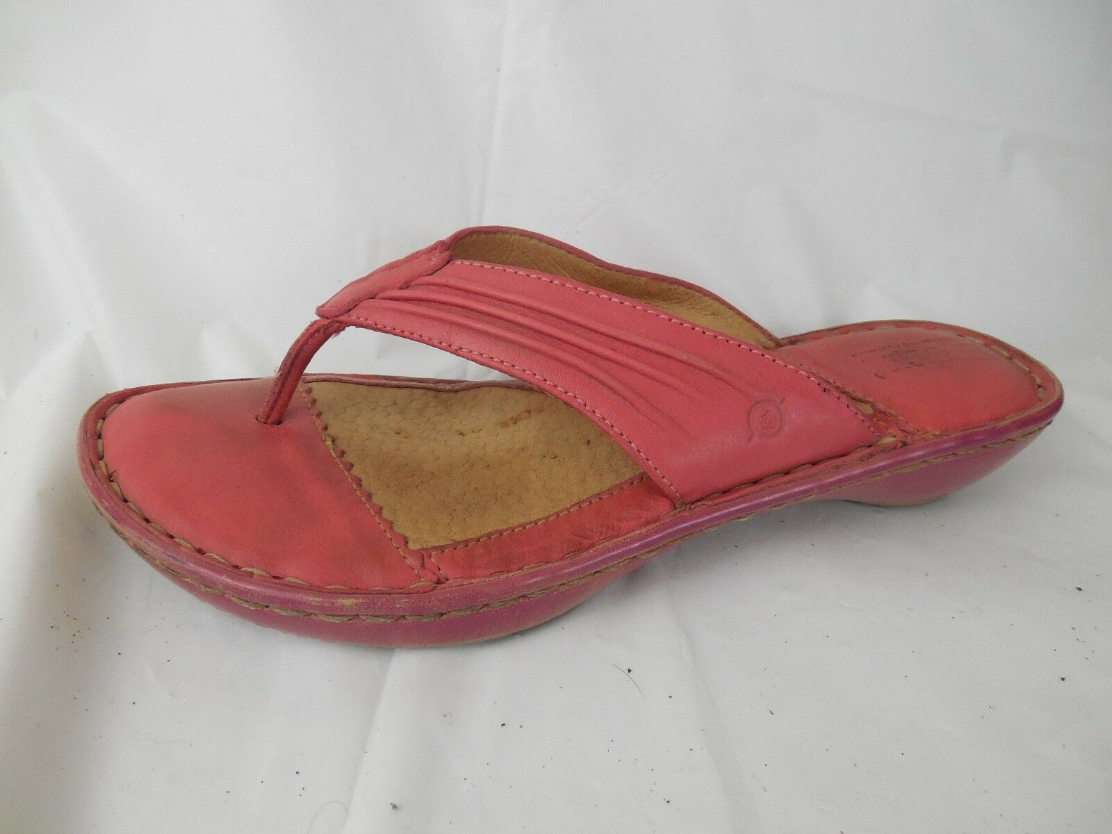 BORN Hot Pink Leather Flip Flop Thong Sandals Slides shoes Womens 6 M Low Wedge
