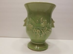 McCoy-Vase-Green-Cardinal-Song-Bird-and-Holly-Berries-Pedestal-Urn-Vintage
