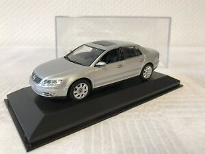 Minichamps-1-43-VW-Phaeton-cadeau-voiture-miniature-MODELCAR-SCALE-MODEL-collecter-RAR