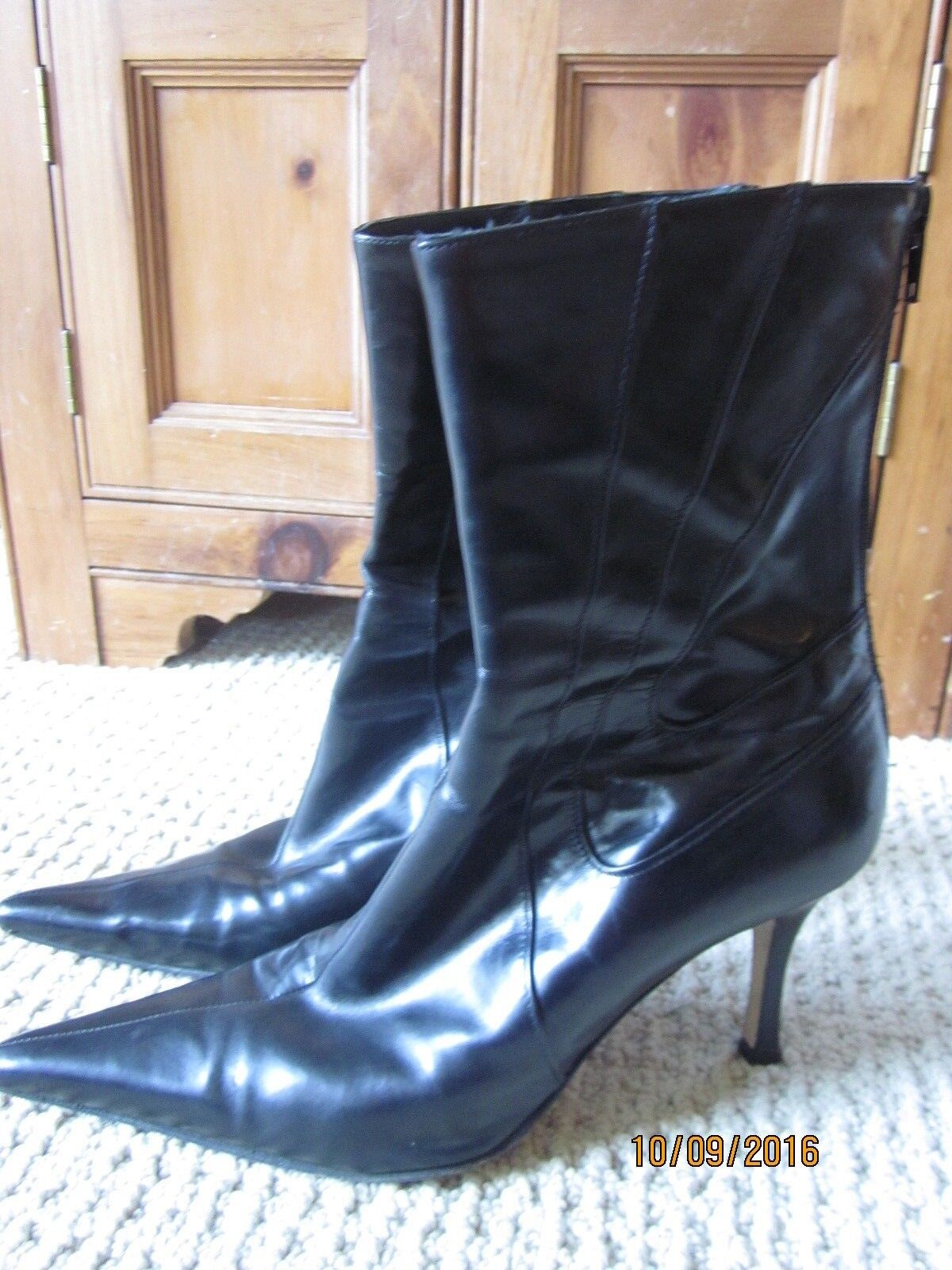 Vero Cuoio  Black pointy toe Leather Women Boots size 40 European  Made in