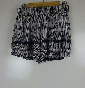 WITCHERY-Casual-shorts-Sz-10-Black-purple-white-print