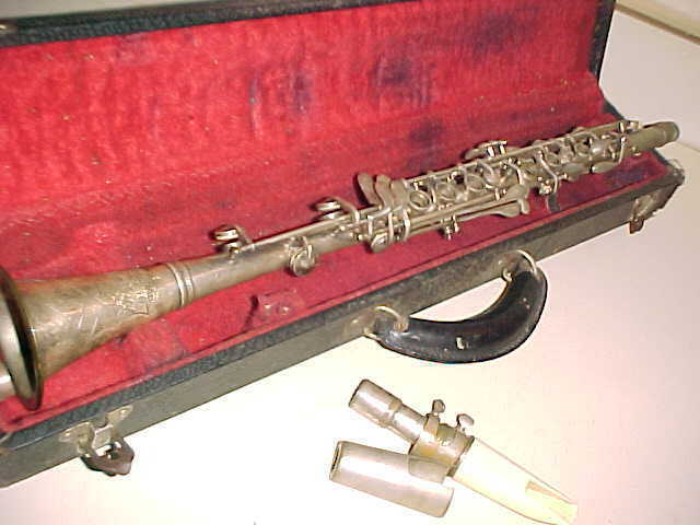 Vintage  HORTON COLLEGIATE  Estate Clarinet  -  Good Condition