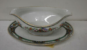 K-amp-A-KRAUTHEIM-SELB-BAVARIA-GRAVY-BOAT-WITH-ATTACHED-TRAY-6-1-4-X-9-1-4