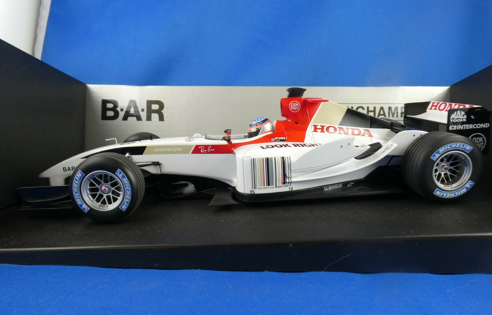 Minichamps honda scuderia tgold red bourdais   new in its box 2009