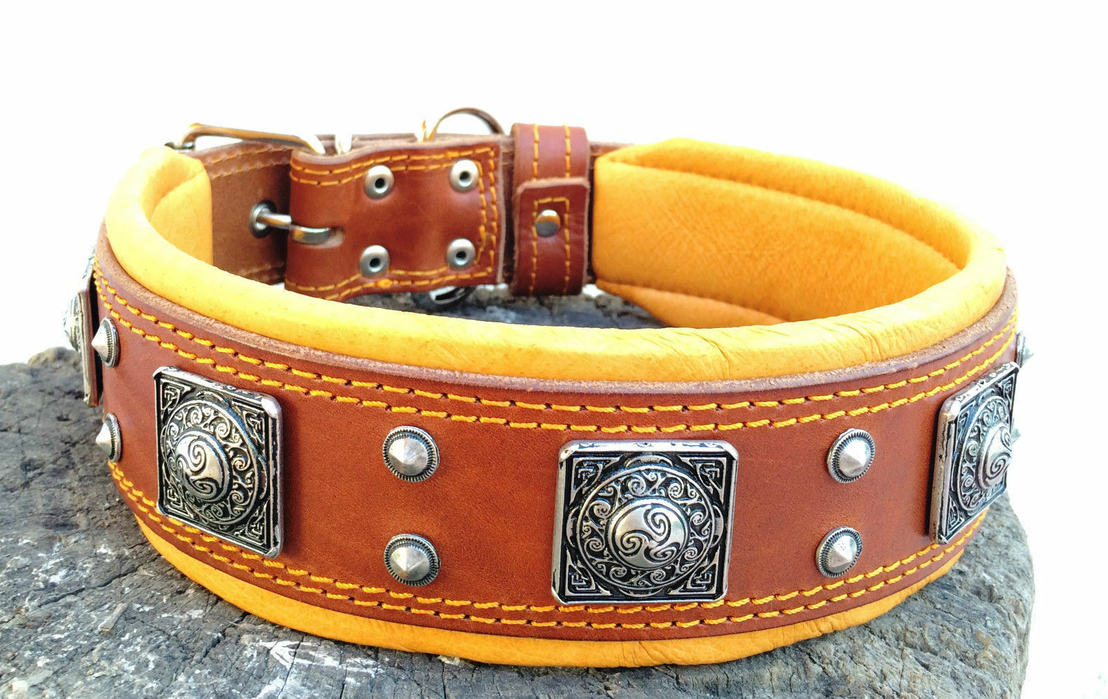 Bestia studded dog collar. 2.5 inch wide. Hand made in Europe. Top quality. XXL