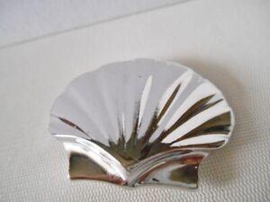 Vintage-Silvertone-Shell-Belt-Buckle