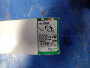 Schneider-Electric-ZB4BG0820-Square-D-Selector-Switch-with-Key