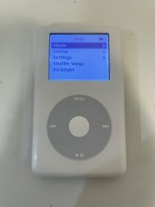 Apple iPod Classic 4th Generation White (20 GB) Works Great