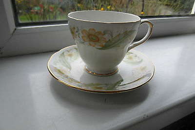 Duchess Greensleeves Tea Cup & Saucer Bone China 2nd Quality Green & Gold