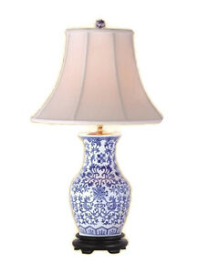 Chinese-Blue-and-White-Porcelain-Round-Vase-FloralTable-Lamp-30-034