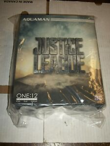 Mezco-One-12-Collective-Justice-League-AQUAMAN-Figure-NEW