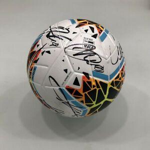 Pallone-utilizzato-durante-semifinale-Coppa-Italia-Napoli-Inter-autografato
