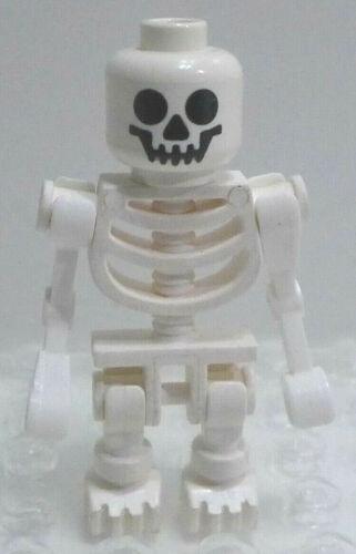 2011 LEGO Skeleton Fantasy Era Standard Skull w// Bent Arms