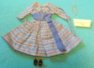 Vintage-1960-1962-barbie-    - # 978-Un ensemble complet avec collier rare  let's Dance