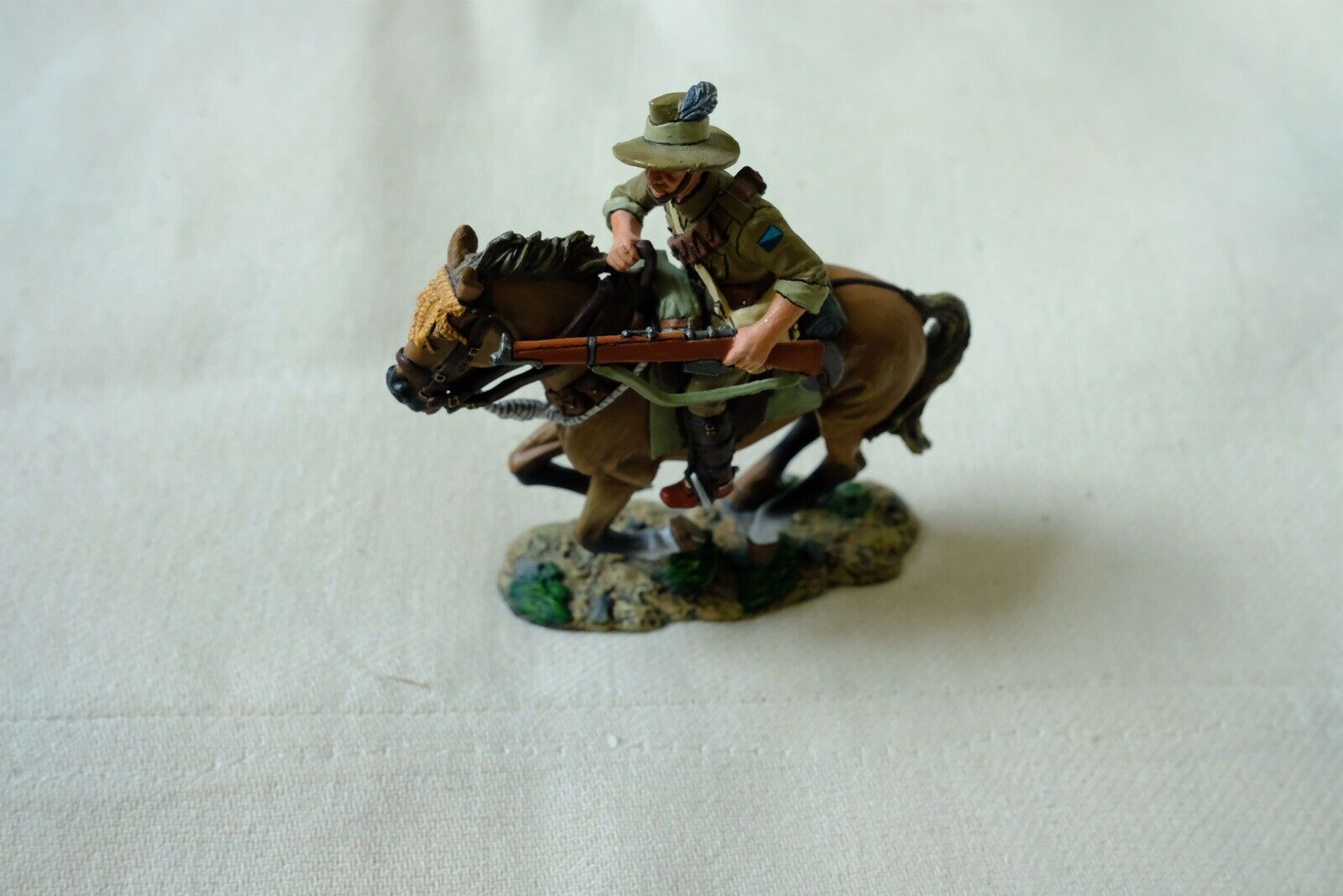King And And Country Australian Light Horse AL03 Charging With Rifle Soldier Ww1