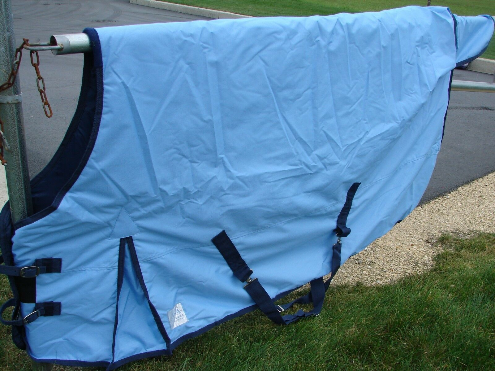 Size 76  bluee 600 Denier 300G Fill Waterproof Turnout Blanket