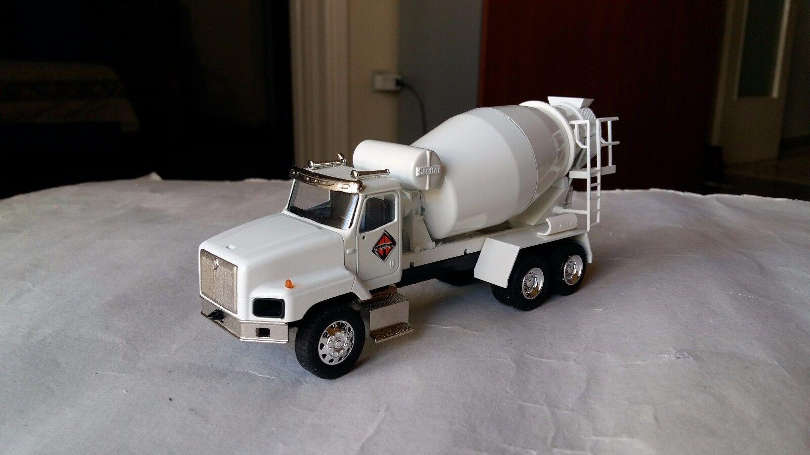 1 50 Conrad International 5600 I cementmixer Camioneta Camion