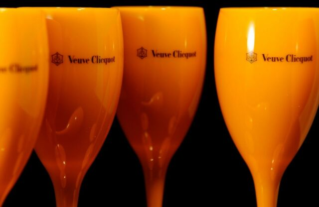 Veuve Clicquot VCP Yellow Label Acrylic Champagne Flute Glasses New Set x 4