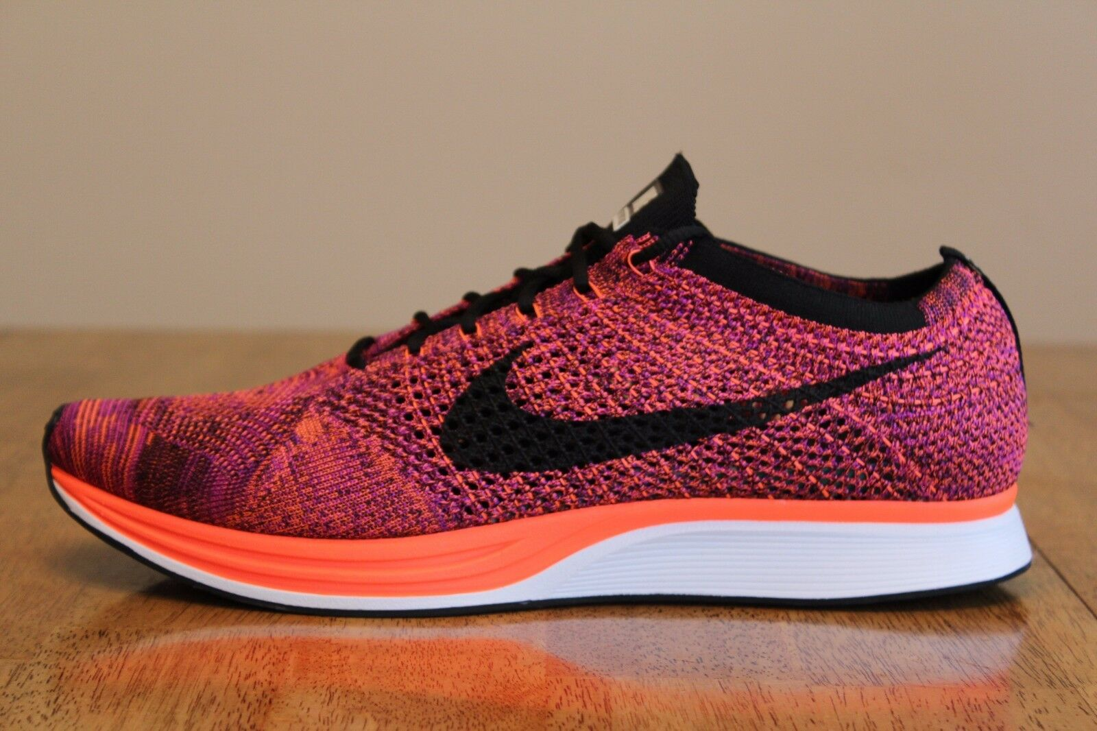18 New Mens Nike Flyknit Racer 526628-008 Acai Berry Running Shoes Comfortable Comfortable and good-looking