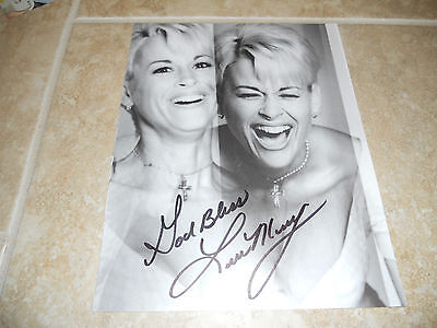 """Entertainment Memorabilia Intelligent Lorrie Morgan Signed Autographed 8.5"""" X 11"""" Magazine Photo #2 Psa Guaranteed And Digestion Helping"""