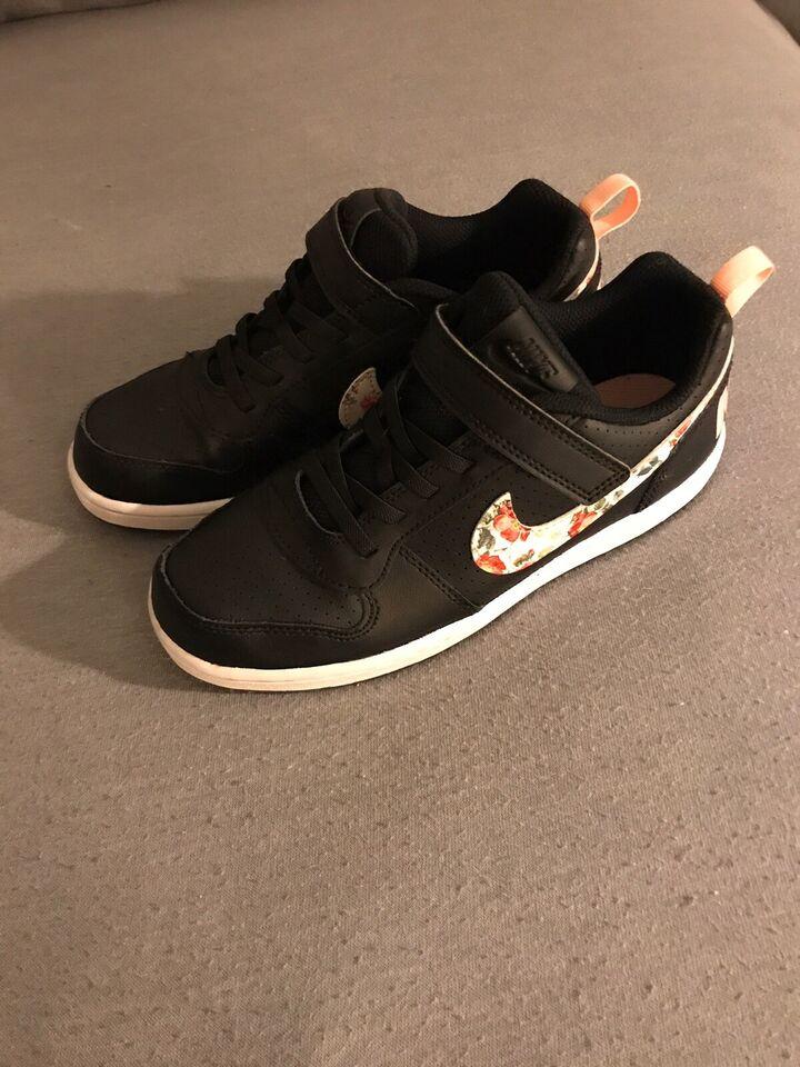 Sneakers, str. 35, Nike