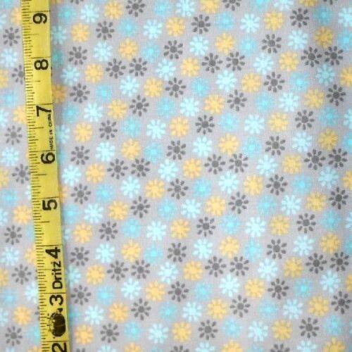 "FABRIC JO-ANN QUILT BLOCKS LACEFLOWER /""SMALL MULTI FLOWER/"" 100/% COTTON 1.25 YDS"