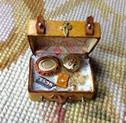 Pat Tyler Dollhouse Miniature Bag Luggage Suitcase Valise Valise Grip Sm p550