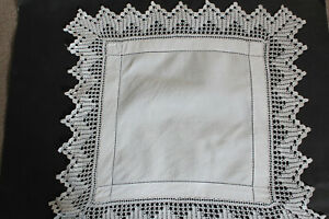 Vintage-small-square-white-linen-cloth-with-crochet-edges-and-drawn-thread-work