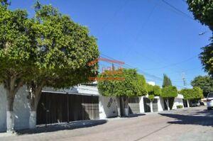 Casa Colinas del Cimatario con 3 recamaras cercana a Av Luis vega y Monrroy
