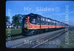 Original-Slide-IC-Illinois-Central-E9A-4022-amp-2-Passenger-Action-In-1967