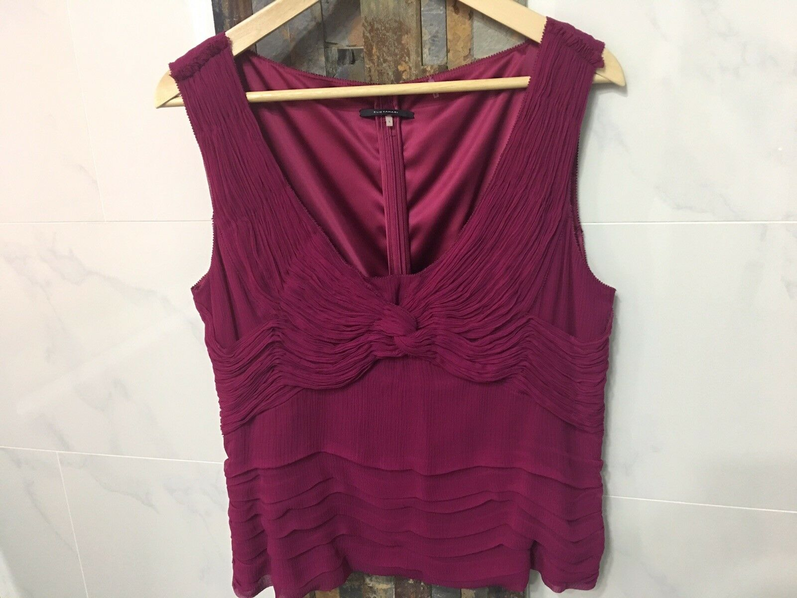 NWOT Elie Tahari silk Carmesi rot Draped Sleeveless blouse top damen Sz L