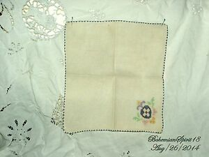 ANTIQUE-VINTAGE-FRENCH-HAND-EMBROIDERY-FLOWER-FINE-LINENS-TABLE-NAPKIN
