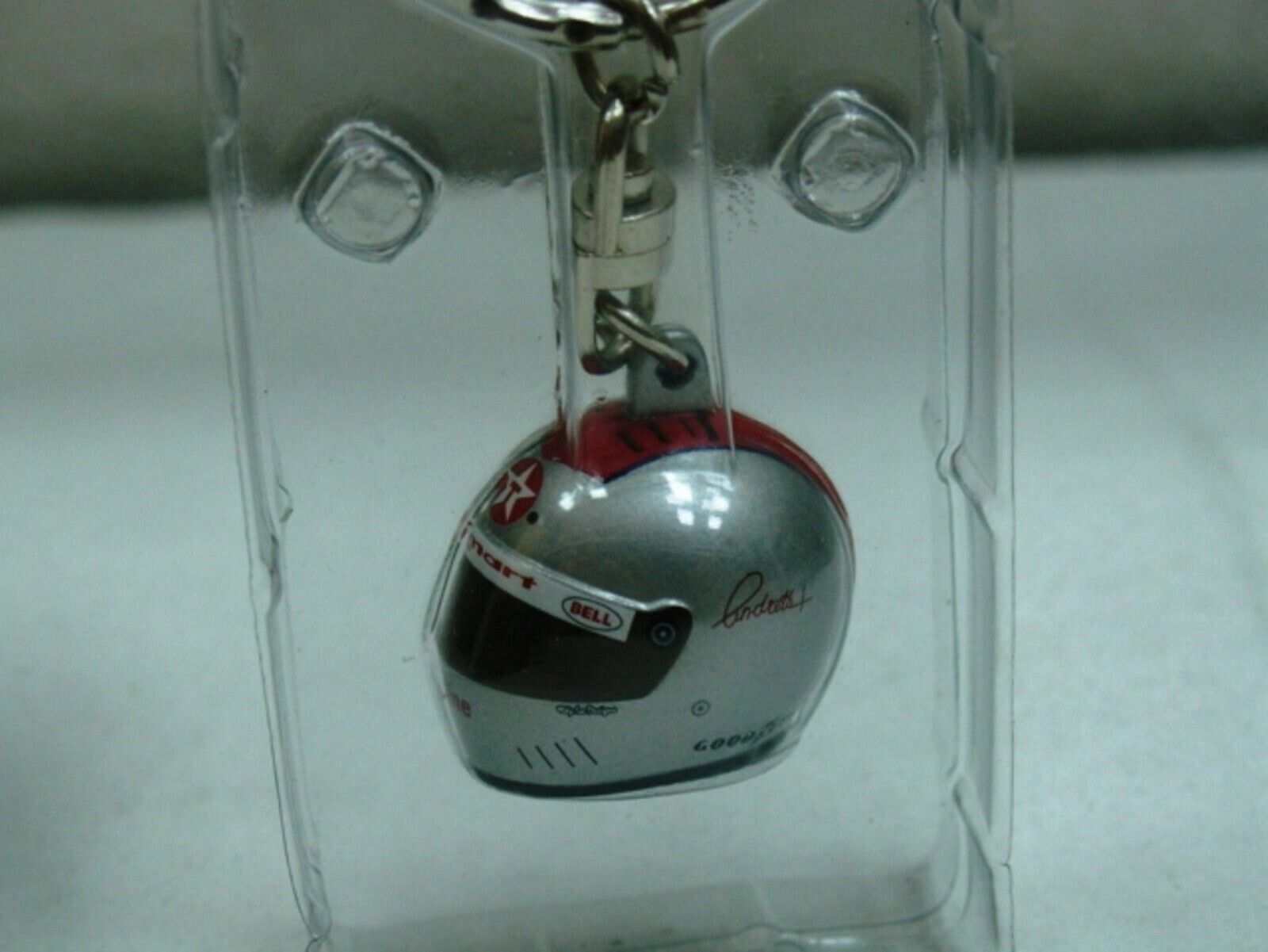 WOW EXTREMELY RARE Helmet Andretti Mario 1995 Indy 500 Keyring 1 12 Minichamps